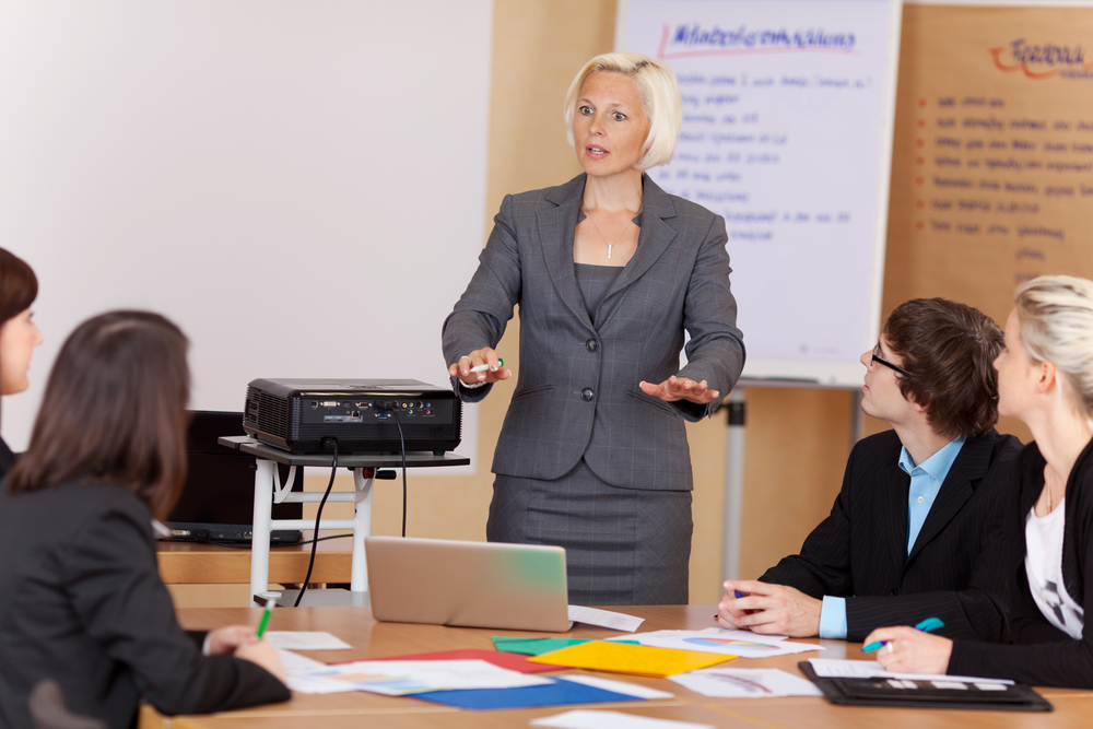 【戦略】コーポレートガバナンス・コードへの対応〜社外取締役の役割とその重要性とは?〜