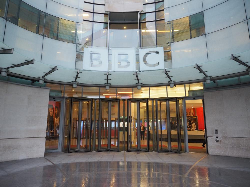 【イギリス】BBC、放送全番組のカーボンフットプリントの測定実施を発表 1