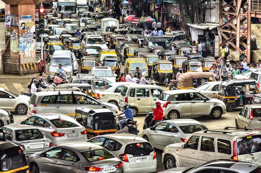 【インド】企業のCSR活動予算が大きく増加。背景に2013年CSR法令義務化と大企業の対応加速 1