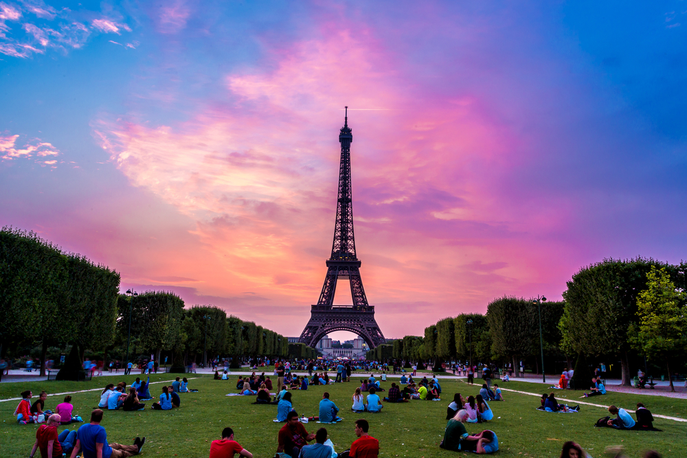 【フランス】マクロン新政権、新規石油・ガス採掘プロジェクトを停止する政策を表明 1