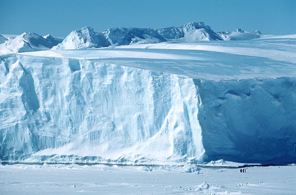 【南極】ラーセンC棚氷、南極大陸から分離。東京23区の9倍の面積、厚さは東京タワーに匹敵 1
