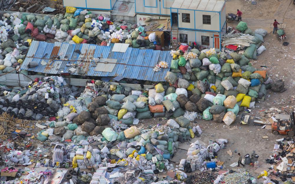 【中国】政府、海外からの資源ごみ輸入を2017年中に停止。今年中に法整備 1