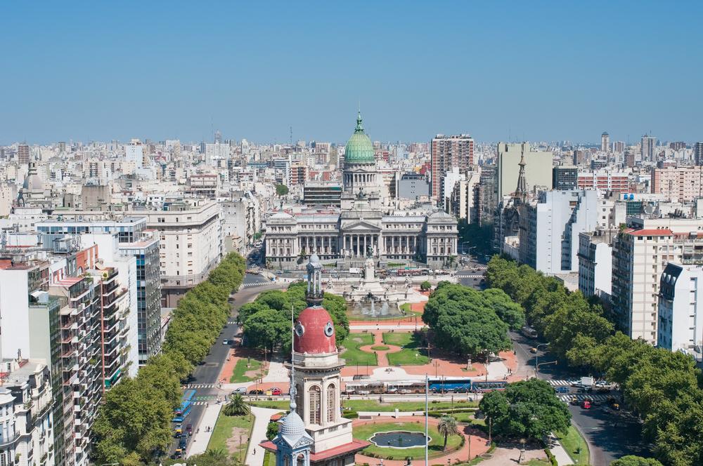 【アルゼンチン】政府、今後3年間で60億米ドル規模の再生可能エネルギー投資計画を検討。容量4GW 1