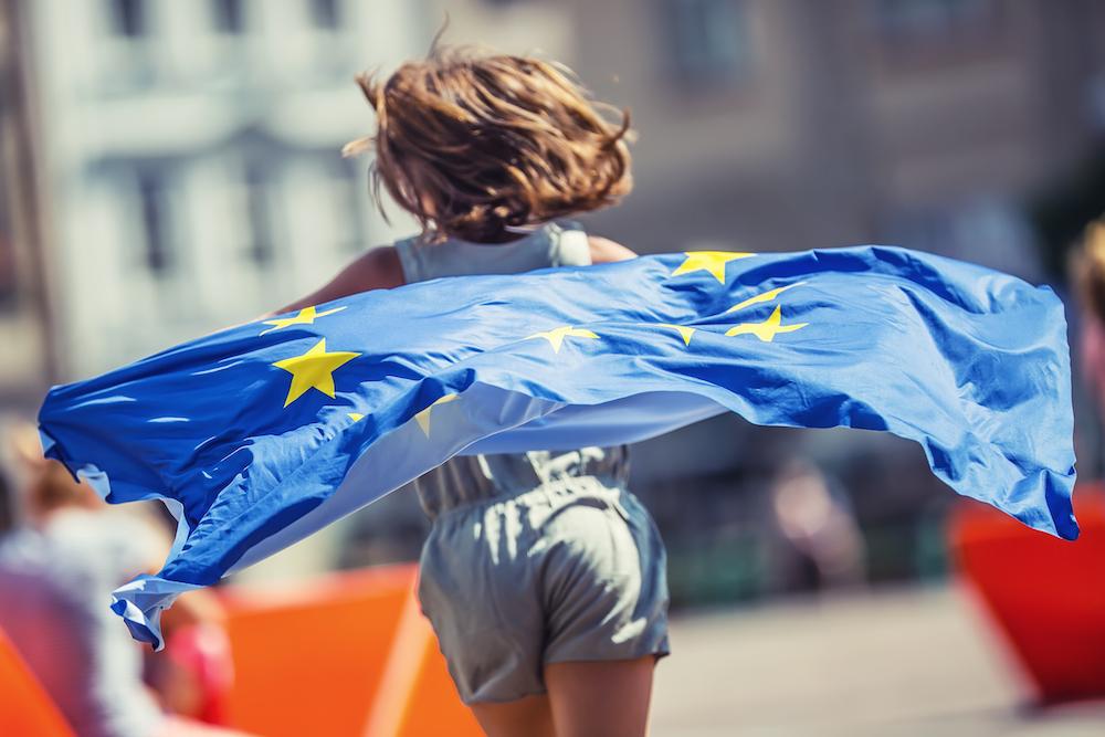 【EU】欧州委員会、男女賃金格差解消と非常勤取締役女性比率40%以上掲げ、新たなアクション 1
