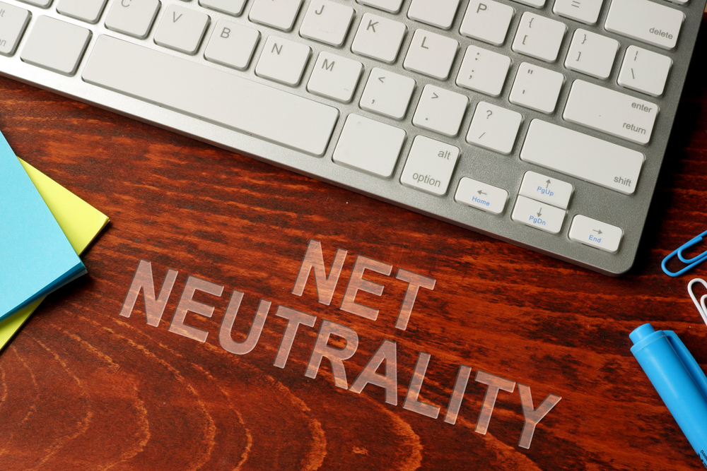 【アメリカ】連邦通信委員会、ISP事業者への「ネット中立性規則」の廃止を承認 1