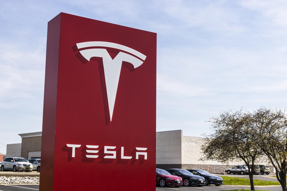 【アメリカ】テスラ、同社初EVセミトレーラー「セミ」の製造を2019年に開始すると発表 1