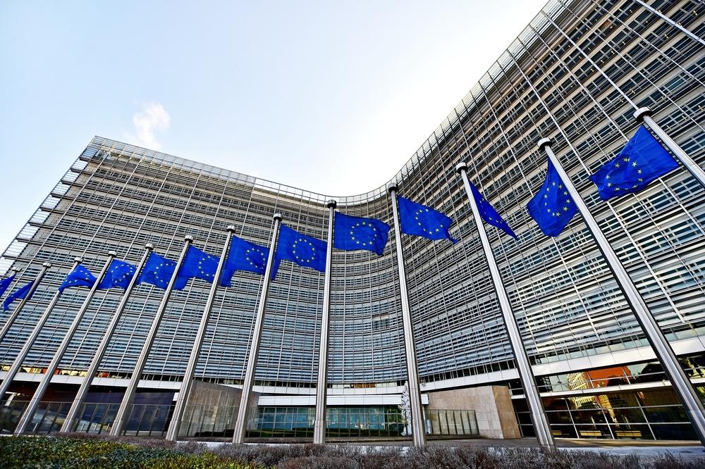 【EU】欧州委員会、欧州委員の行動規範を改定。退任後のロビー活動禁止期間延長や利益相反防止強化 1