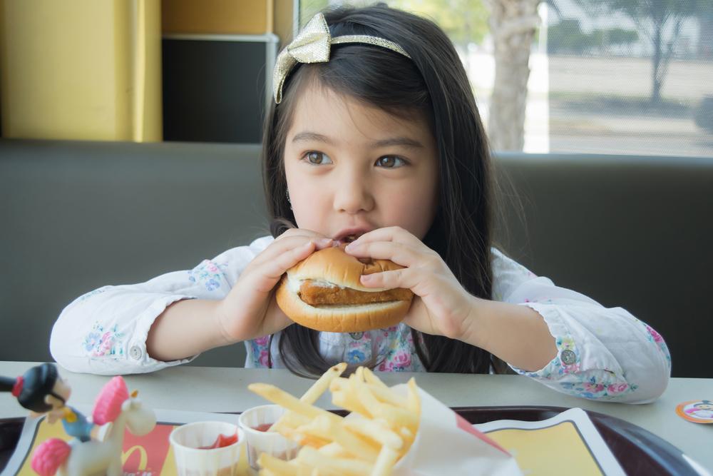 【国際】マクドナルド、120ヶ国のハッピーセットでカロリー・糖質等削減プログラム始動 1