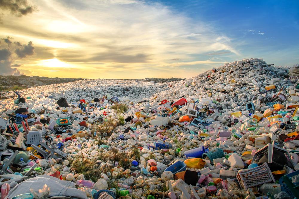【イギリス】環境NGOのプラスチックごみ削減宣言「UK Plastics Pact」、政府等15団体・企業42社が署名 1