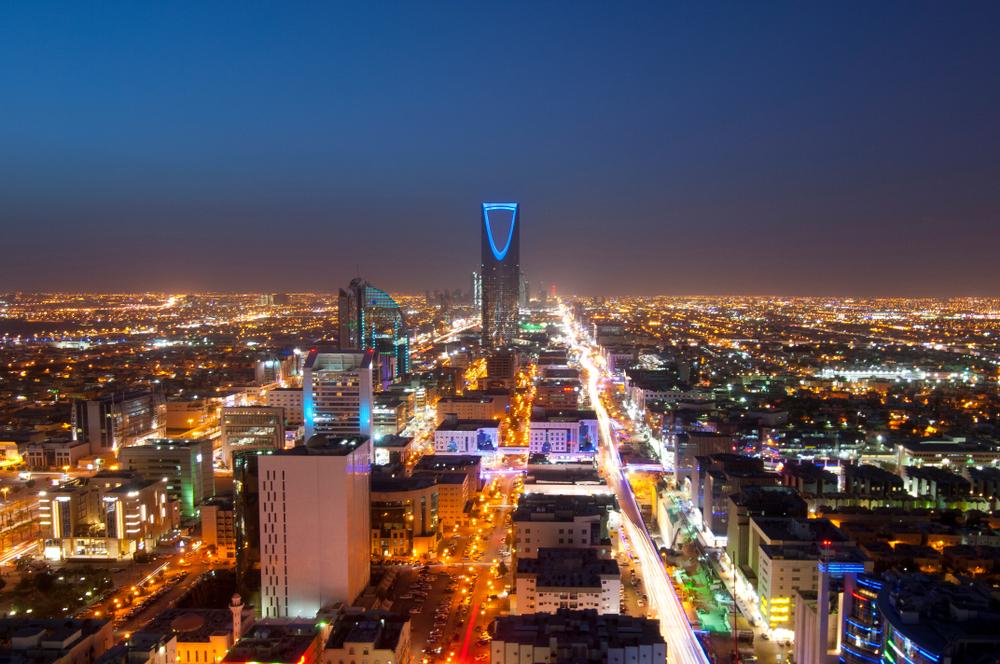 【サウジアラビア】ソフトバンクと同国政府、200GWの太陽光発電発表。約21兆円投資 1