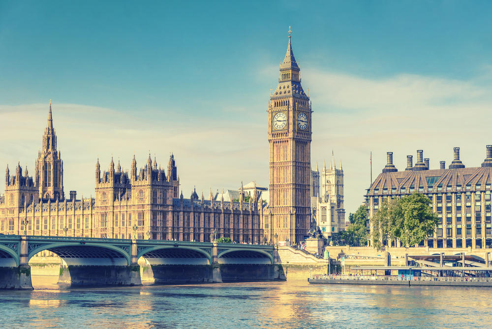 【イギリス】政府、CO2削減規制強化を表明。先進国初のパリ協定NDC再検討も 1