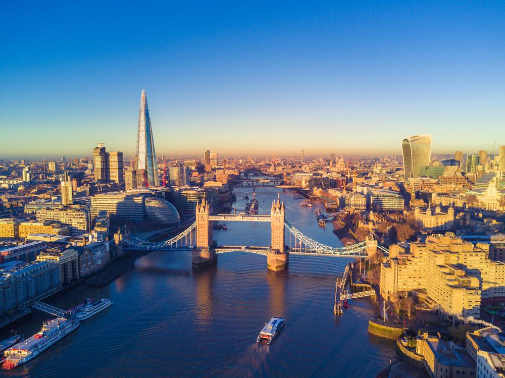 【イギリス】英環境監査委員会、年金基金大手25機関の気候変動対応状況を公表。11機関が高い評価 1