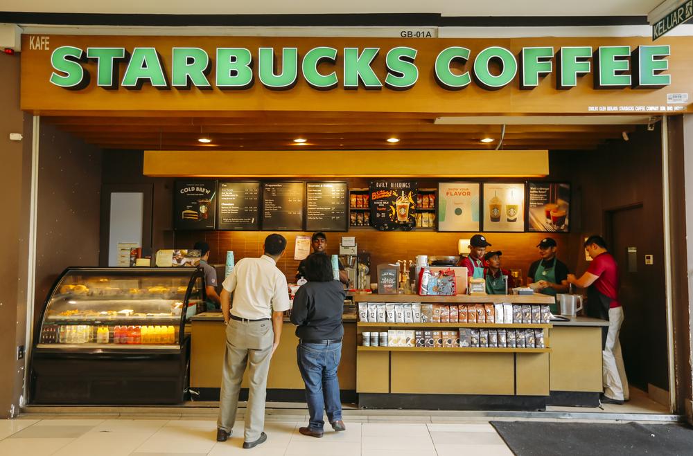 【アメリカ】スターバックス、米国で150店舗閉鎖し店舗合理化実施。健康志向商品の拡充も 1