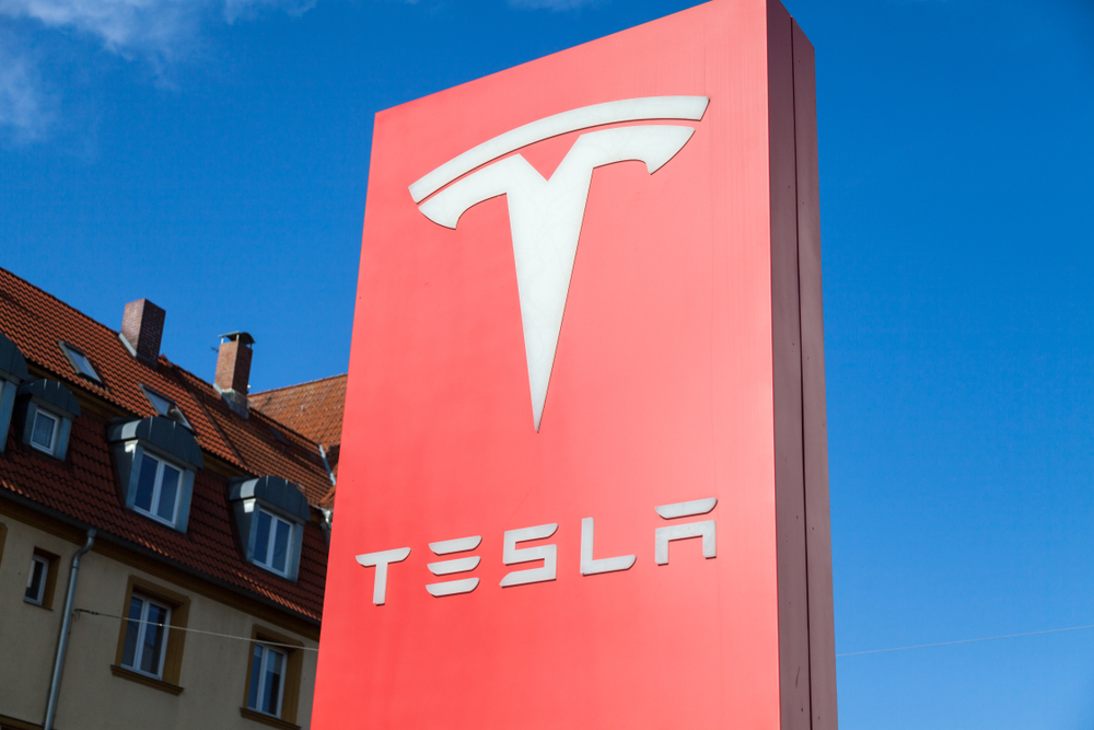 【アメリカ】テスラ、家庭用太陽光発電事業を大きく縮小。投資家からの利益創出プレッシャーか 1