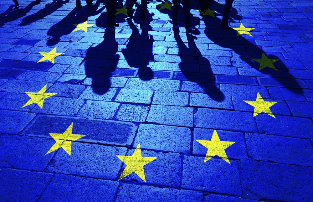 【EU】28カ国首脳会議、移民問題の対応策で合意。ドイツの負担軽減で独連立政権崩壊も回避 1