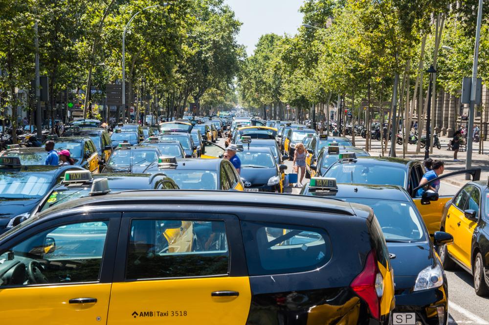 【スペイン】タクシー運転手、Uber等ライドシェア抗議のストライキ敢行。政府への要求ほぼ勝ち取る 1