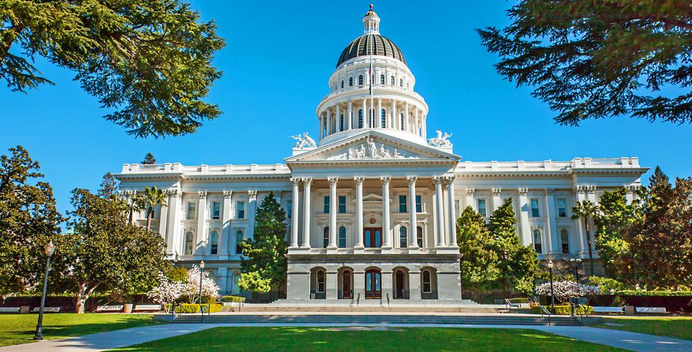 【アメリカ】カリフォルニア州、カルパースとカルスターズに気候関連財務リスク考慮と報告を義務化 1