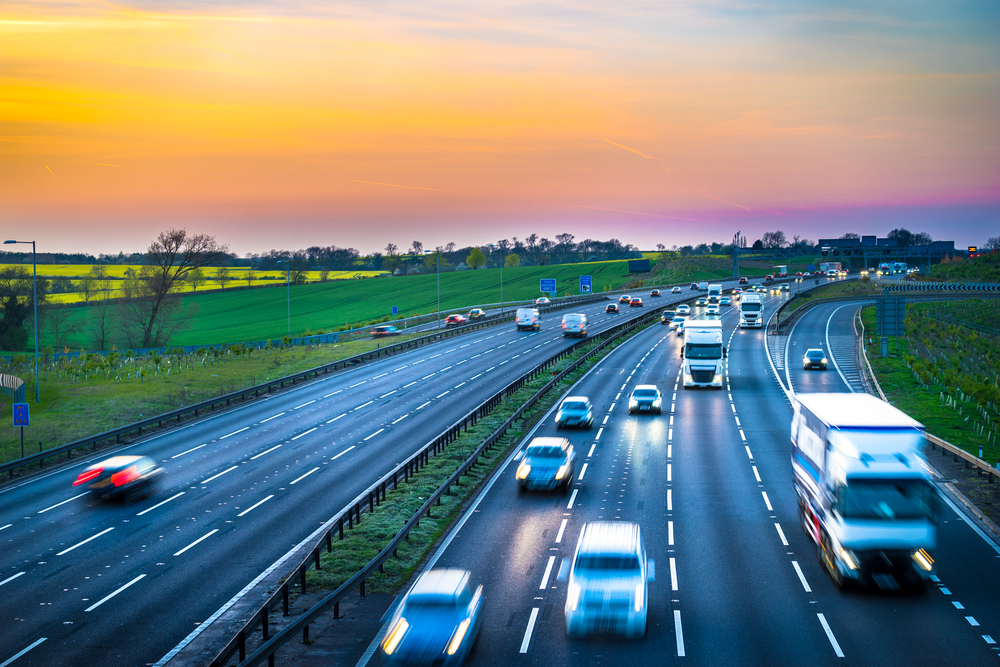 【イギリス】メイ首相、電気自動車と低CO2排出技術で世界をリードする戦略発表。予算重点配分 1