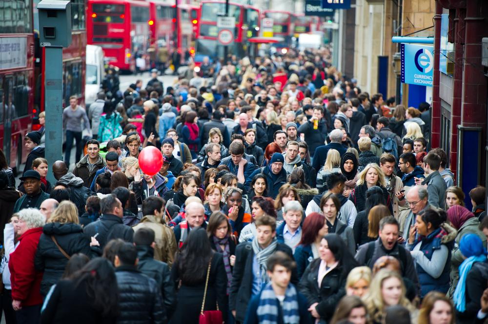 【イギリス】政府、過去20年間で最大の労働改革政策発表。派遣社員にも同一労働同一賃金適用等 1
