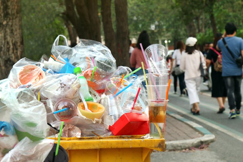 【日本】環境省、汚れたプラスチックの輸出禁止方針表明。バーゼル条約で国際規制も提案 1