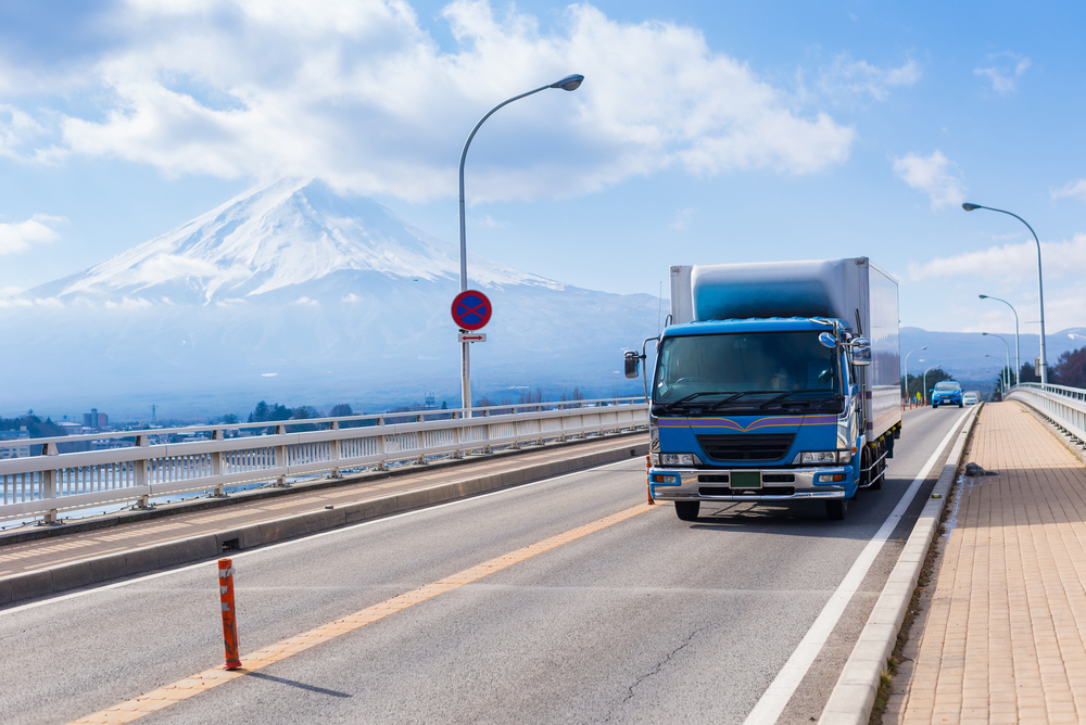 【日本】経済産業省と国土交通省、トラック・バス等の2025年燃費目標基準を最終決定 1