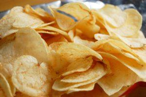 【日本】カルビー、ポテトチップスの賞味期限を2ヶ月延長。年月表示も導入。食品ロス削減 1