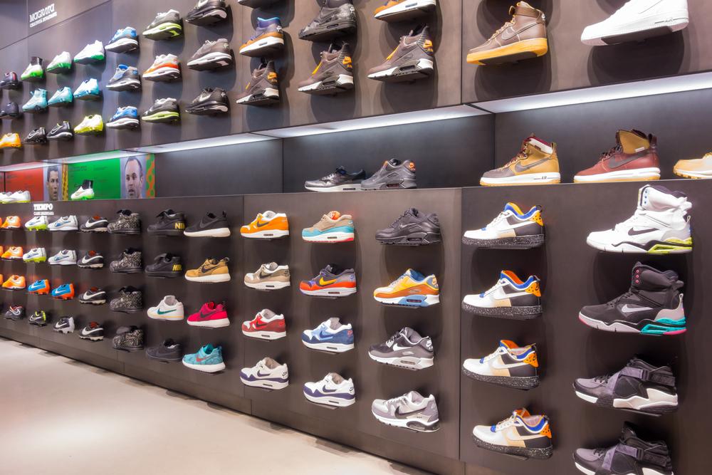 【アメリカ】アパレル・小売大手、トランプ大統領に対中関税引上げ中止を要請。靴価格に悪影響 1
