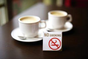 【日本】銀座ルノアール、2020年4月から紙巻きたばこの全面禁煙導入。受動喫煙防止法への対応 1