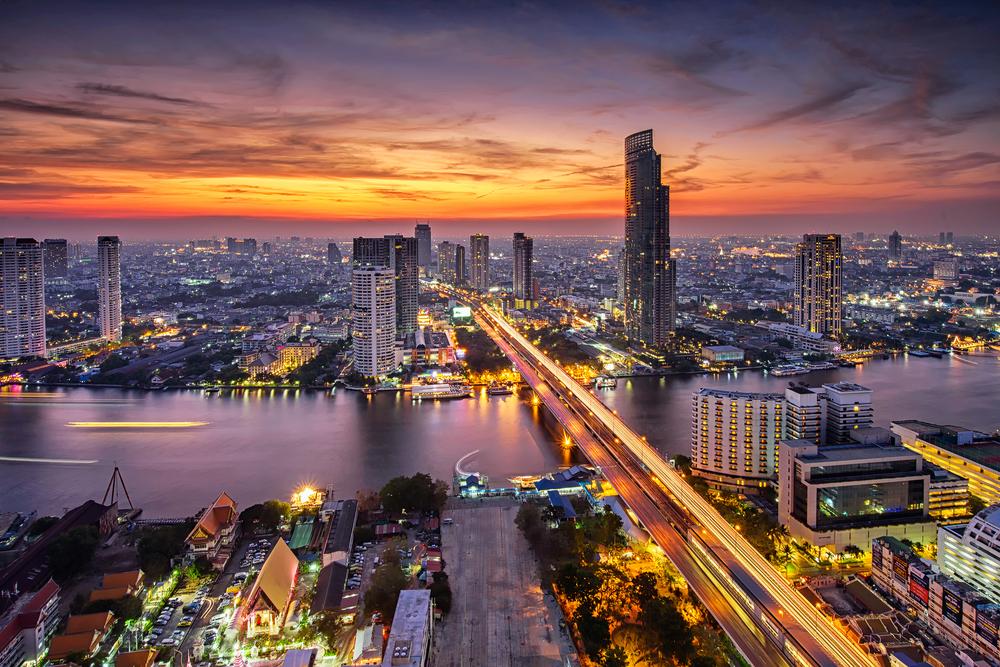 【タイ】タイ石油公社PTT、再エネ発電に大規模設備投資。石油価格不安定化受け。ガスも注力 1