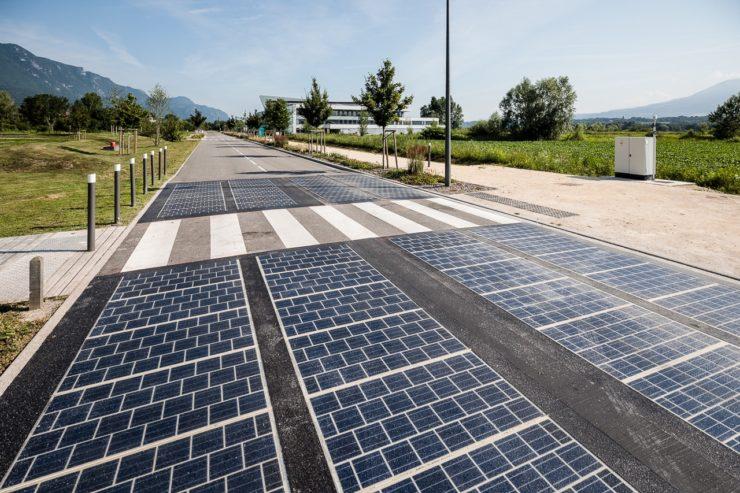 【フランス】太陽光発電パネル幹線道路の実地実験が失敗。発電量が想定に届かず。政府は実験仕切り直し 1