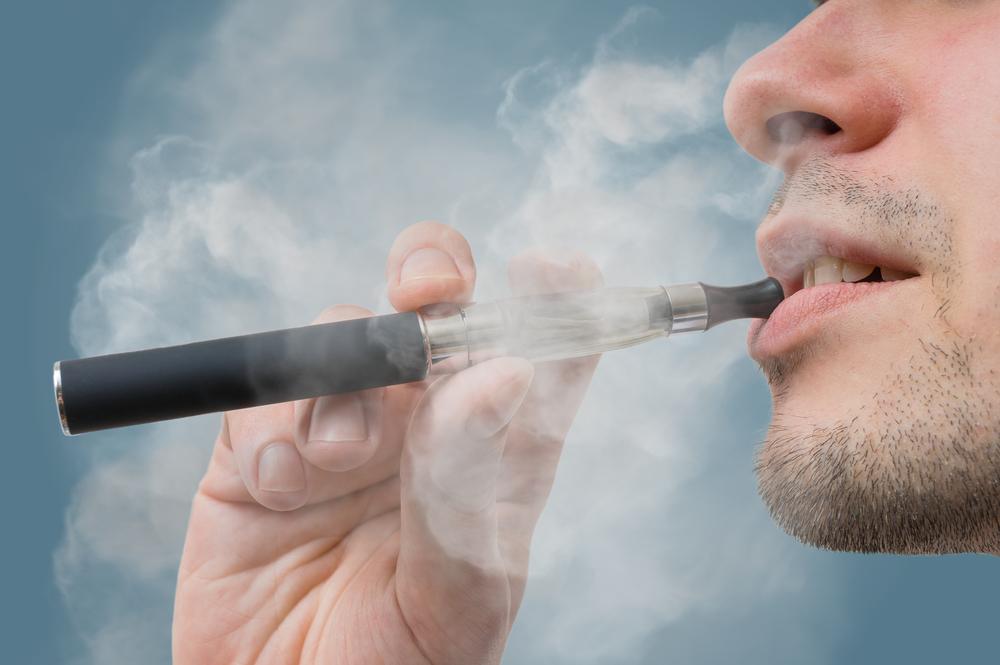 【インド】政府、電子たばこを全面禁止する政令制定。違反者には3年以下の懲役 1