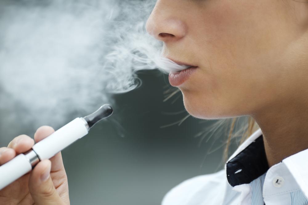 【アメリカ】ウォルマート、米国での電子たばこ販売を自主禁止。政策不透明性が理由 1