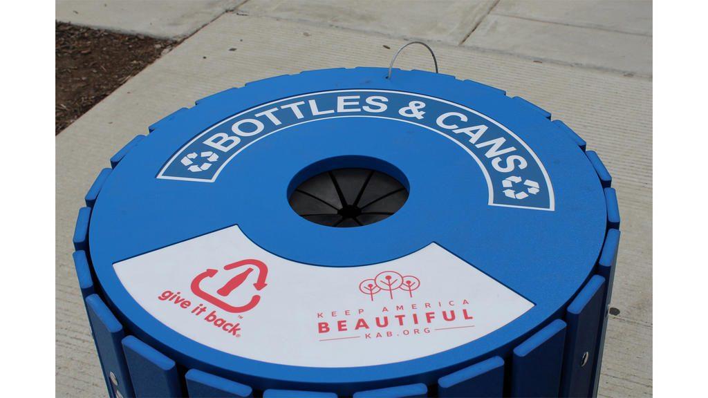 【アメリカ】コカ・コーラ財団、リサイクル箱支給で3800万円助成。Keep America Beautifulと協働 1