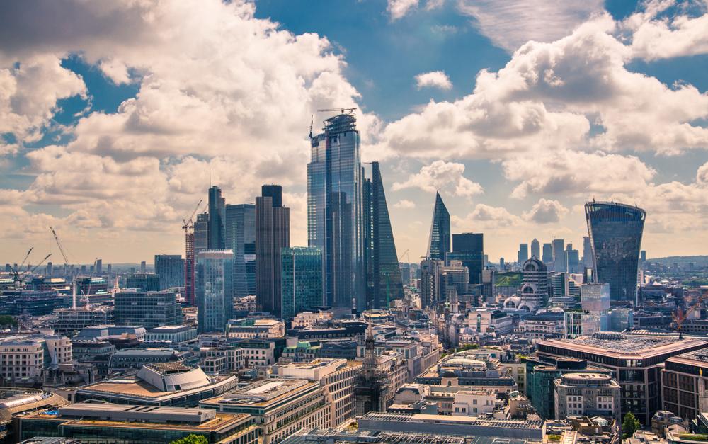 【イギリス】政府、2050年までのCO2ゼロに向けた企業支援策増強。水圧破砕法も安全懸念で禁止 1