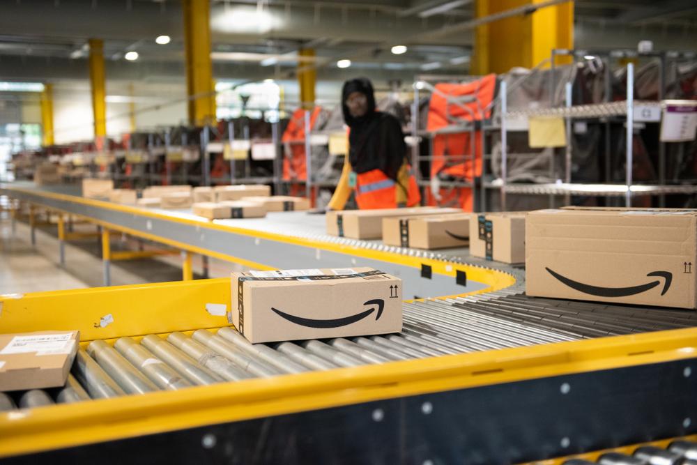 【アメリカ】アマゾン、10万人の新規採用発表。新型コロナ対策でEコマース需要増に対応 1