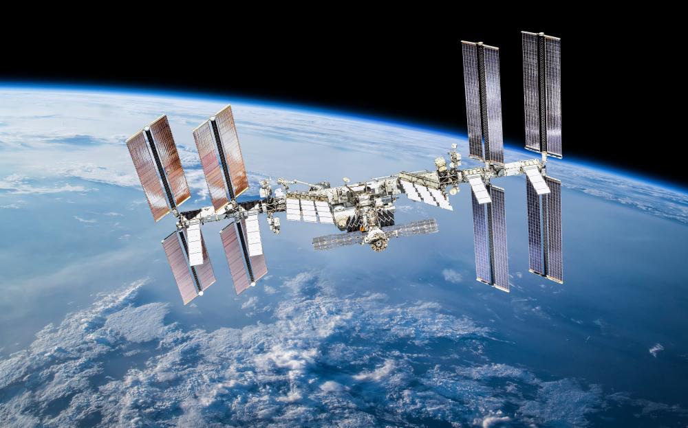 【国際】米NASA、ISSでボース=アインシュタイン凝縮の生成に成功。物質の第5状態 1
