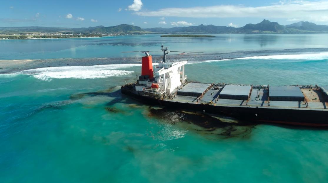 【日本】商船三井、モーリシャス事故責任で「傭船者として法令に基づき」を強調。失望広がる 1