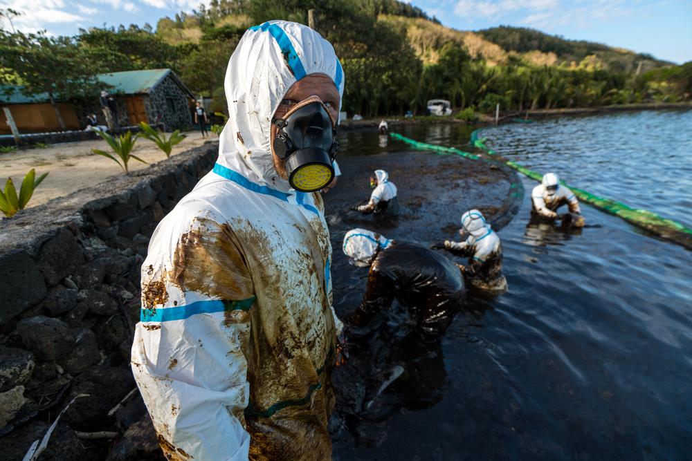 【モーリシャス】長鋪汽船、漂着油の除去作業が2021年1月に完了見込み。イノカもサンゴ回復支援 1