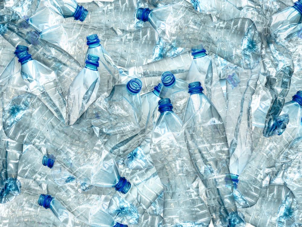 【日本】サントリーと早稲田大学、ペットボトルのリサイクルで協定締結。研究やキャンパスでのボトル回収 1